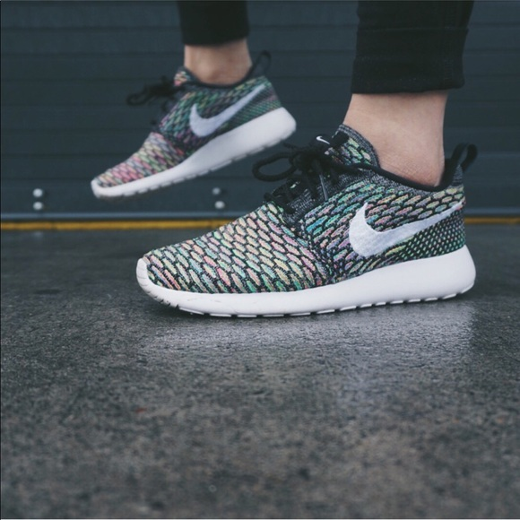 best loved 553a8 49ccc ... order nike womens roshe run flyknit multicolor acb63 2bd1e ...